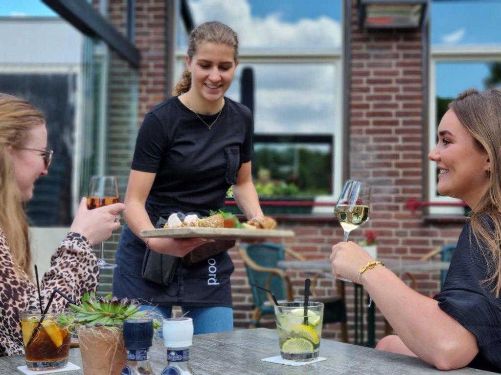 Gastvrije bediening bij Café Dennenoord in Roggel